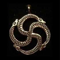 Мощь и значение символа Змеевик у славян. Как очистить и активировать амулет?