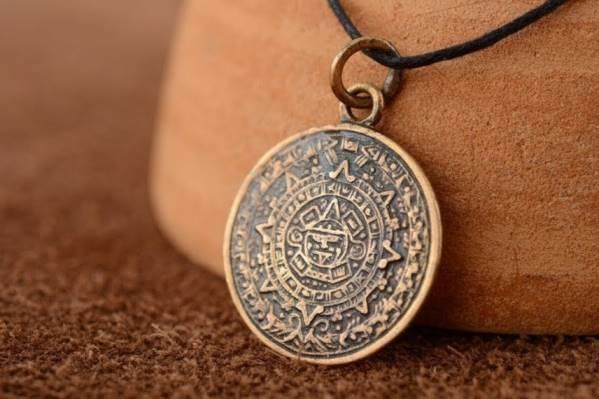 Символ духовной и физической силы — Бусина Дзи 21 глаз. Значение и использование тибетского амулета