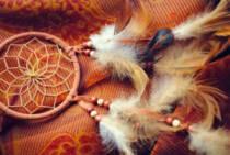 Какие бывают индейские амулеты и талисманы? Как сделать такой оберег самому?